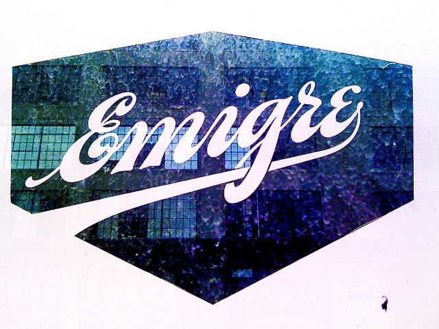 Revista Emigre logotipo
