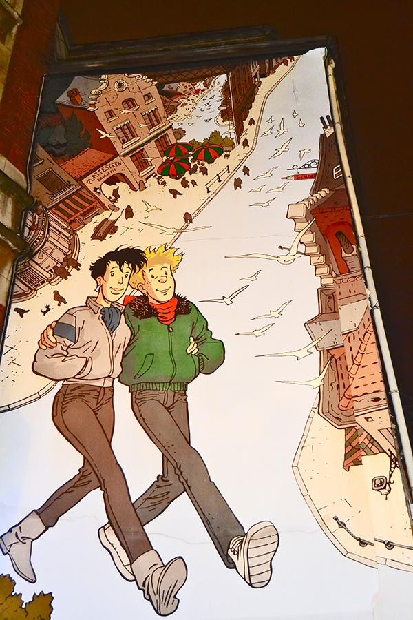 Personajes de cómic en Rue Marché-au-Charbon de Bruselas imagen